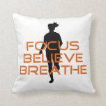 El foco anaranjado cree respira el funcionamiento almohada