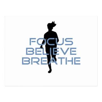 El foco cree respira las camisetas azules tarjeta postal