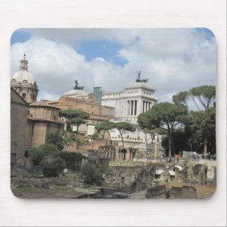 El foro romano - latín: Foro Romanum Alfombrillas De Ratón
