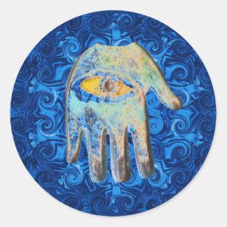 El forprotection del mal de ojo de dios de la mano pegatina redonda