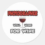 El fotógrafo… trabajará para el vino etiquetas redondas