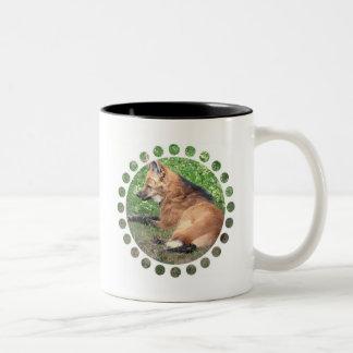 El Fox rojo representa la taza de café de cerámica