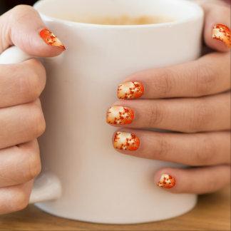 El fractal anaranjado remolina los clavos stickers para uñas