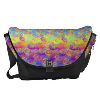 El fractal brillante del remolino modela el arco bolsa messenger
