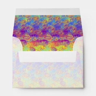 El fractal brillante del remolino modela el arco sobres
