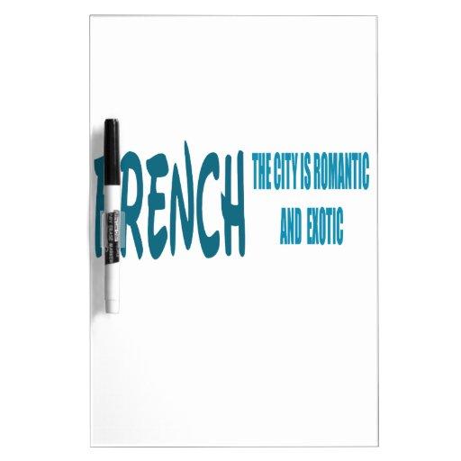 El francés la ciudad es romántico y exótico tablero blanco