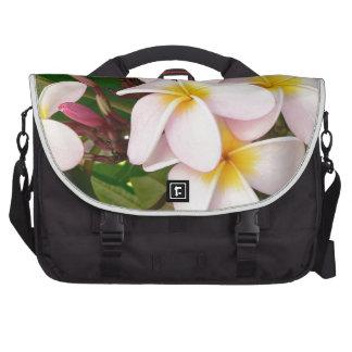 El Frangipani hawaiano de la hawaiana florece los Bolsas De Ordenador