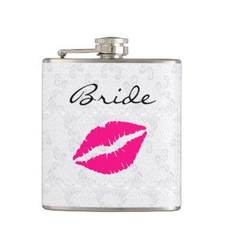 El frasco de consumición de la novia rosada de los petaca