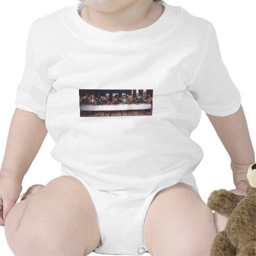 El fresco pasado traje de bebé