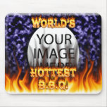 El fuego del Bbq del mundo y el azul más calientes Tapetes De Raton