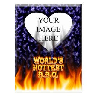 El fuego del Bbq del mundo y el azul más calientes Postal