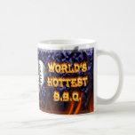El fuego del Bbq del mundo y el azul más calientes Taza