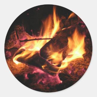 El fuego del campo etiquetas redondas