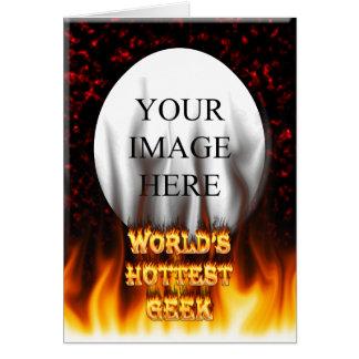 El fuego del friki del mundo y el rojo más tarjeta pequeña