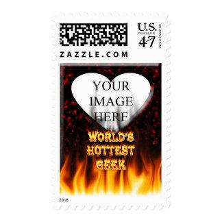 El fuego del friki del mundo y el rojo más timbre postal