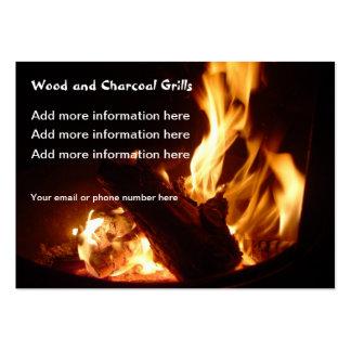 El fuego flamea tarjetas de visita de las parrilla