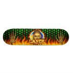 El fuego real y las llamas del cráneo de la lanza  patines