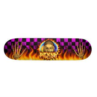 El fuego real y las llamas del cráneo del penique  tablas de patinar