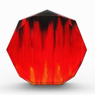 El fuego rojo en colores pastel flamea (el simboli