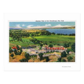 El fuerte, lago Champlain en distancia Tarjetas Postales