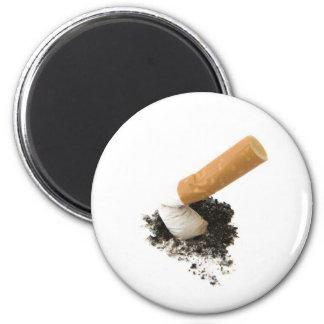 El fumar abandonado imán