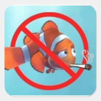 ¡El fumar cerca de niños es pederastia! regalos Calcomanías Cuadradass Personalizadas