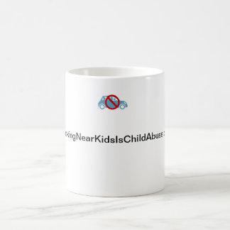 El fumar cerca de niños es taza de la pederastia