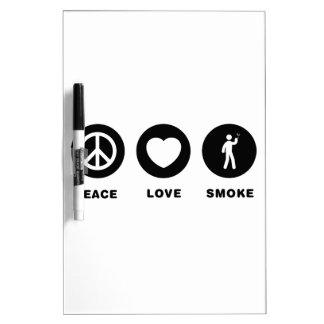 El fumar tablero blanco