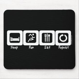 El funcionamiento del sueño come la repetición tapete de ratones