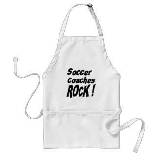 ¡El fútbol entrena la roca! Delantal