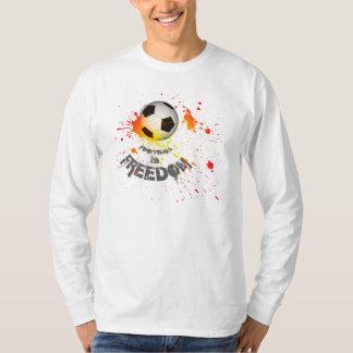 El fútbol es la libertad T (el naranja del Polera