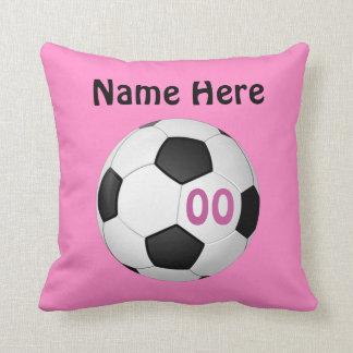 El fútbol personalizado rosa soporta el NOMBRE, Cojin