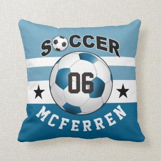 El fútbol se divierte el azul conocido de encargo cojín