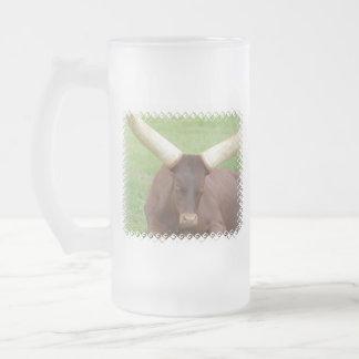 El ganado de Ankhole heló la taza de cerveza