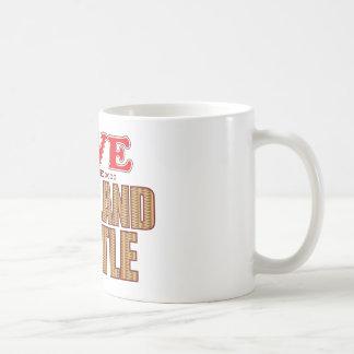 El ganado de la montaña ahorra taza de café