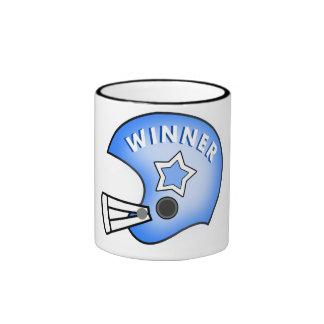 el ganador azul del casco de fútbol americano y de taza de dos colores