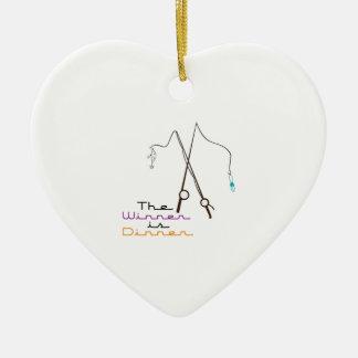 El ganador es cena adorno de cerámica en forma de corazón
