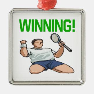 El ganar adorno cuadrado plateado