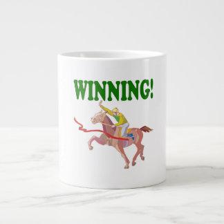 El ganar taza grande