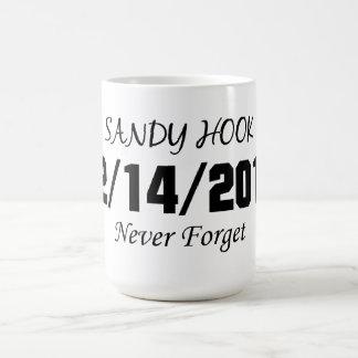 El gancho de Sandy nunca olvida Taza De Café