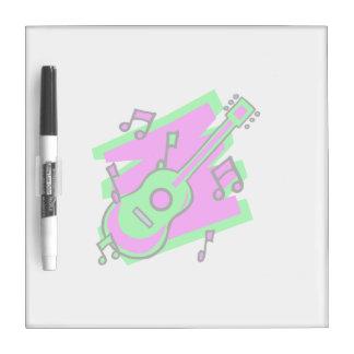 el garabato del extracto de la guitarra detrás pic tablero blanco