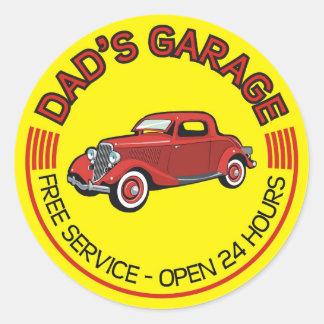 El garaje del papá para el padre que tiene taller pegatinas redondas