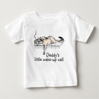 """¡El gatito del café no es un *ahem* """"persona"""" del Camiseta"""