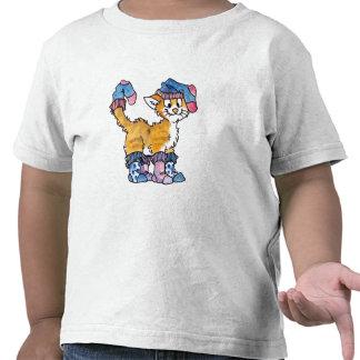 El gatito del calcetín embroma la camiseta