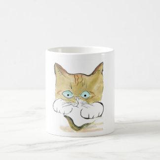 El gatito del tigre mancha su primera barra negra taza básica blanca