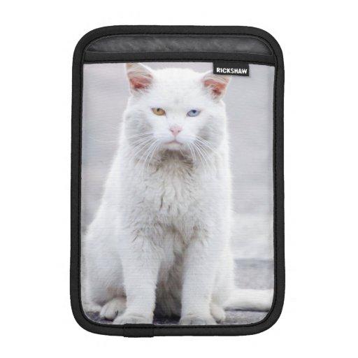 El gatito no se divierte funda de iPad mini