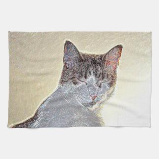 El gatito observa la chispa cerrada toallas de cocina