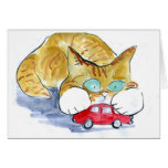 El gatito ocupado del tigre tiene un coche del roj tarjetas
