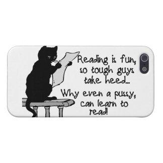 El gatito puede leer el gato divertido iPhone 5 carcasas