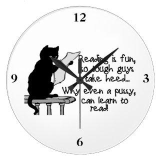 El gatito puede leer el gato divertido relojes de pared